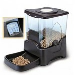cat feeder black