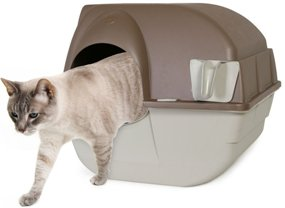 Cat getting out of the Omega Paw Self Cleaning Litter Box