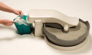 Cleaning the PetSafe Simply Clean Litter Box