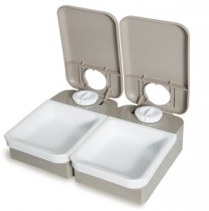Petsafe 2-meal with lids opened