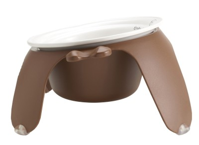 Petego Pet Bowl's tilted design