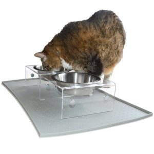Cat eating from PetFusion SinglePod feeder
