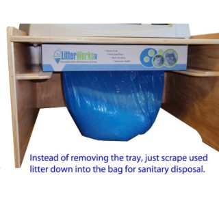 and absorbing the urine by a special crystal litter that disicates the urine this litter box works with prefilled crystals diposable trays - Scoopfree Litter Box